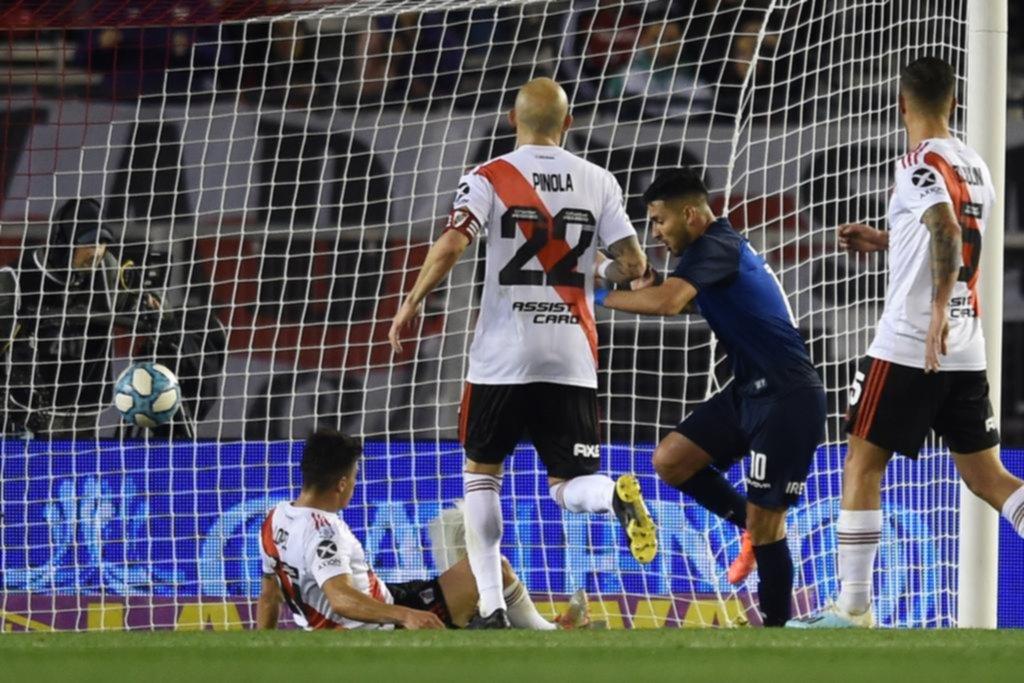 River jugó pensando en otra cosa y lo pagó con una derrota frente a Talleres