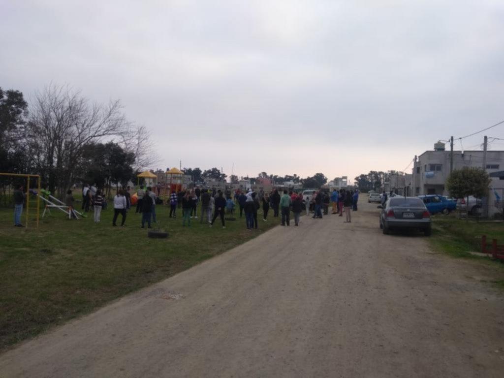 Abrumados por la inseguridad, vecinos de Olmos reclamaron respuestas a la Policía