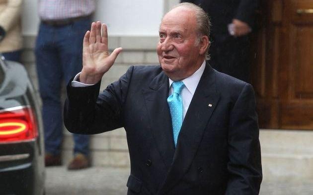 En medio del escándalo, el rey Juan Carlos se irá a vivir fuera de España