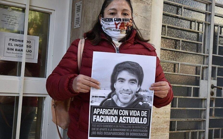 La mamá de Facundo dijo que hallaron elementos de su hijo en un destacamento policial