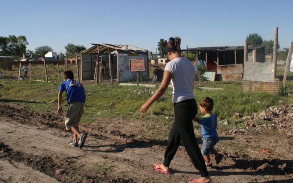 Al finalizar 2020 habrá 1,2 millones más de niños y adolescentes pobres en el país que el año pasado