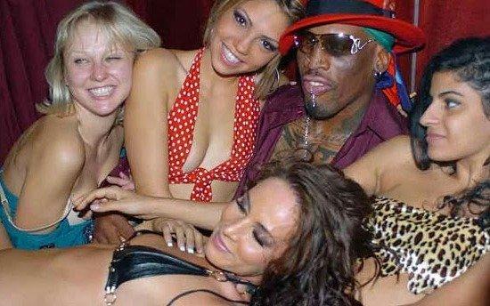 Los relatos sexuales más desopilantes de la ex estrella de la NBA, Dennis Rodman