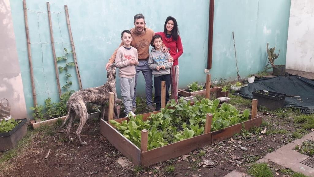 La huerta en casa para nutrir la mesa familiar, una opción que eligen cada vez más vecinos