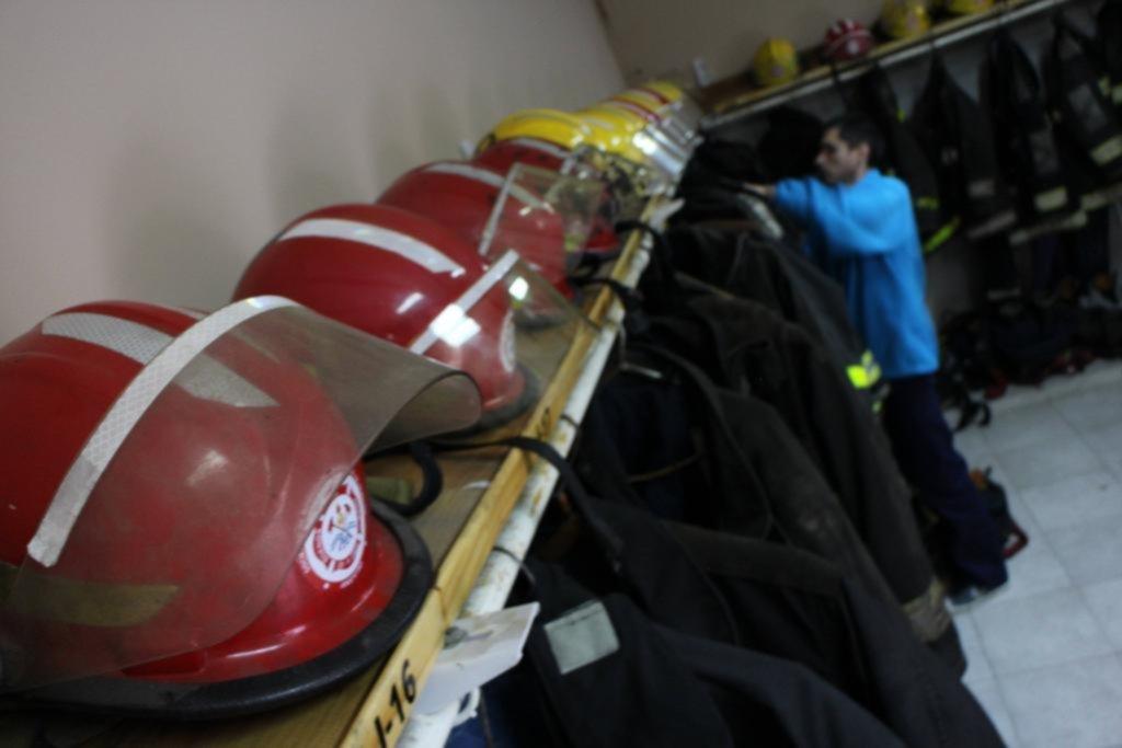 Un bombero voluntario de Berisso con COVID-19 y otros tres aislados