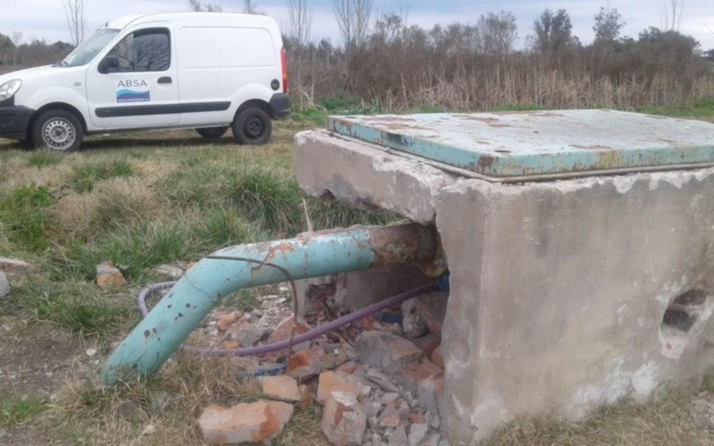 Vandalismo contra una perforación de la red de agua