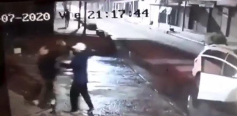 Delincuentes balean a dos hombres tras asaltarlos en un raid delictivo