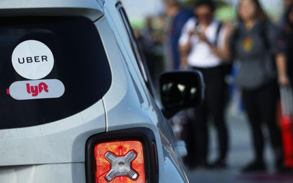 Revés para Uber y Lyft en un estado de EE.UU: los conductores son considerados empleados