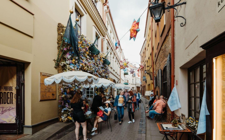 La capital europea que se convirtió en un café al aire libre