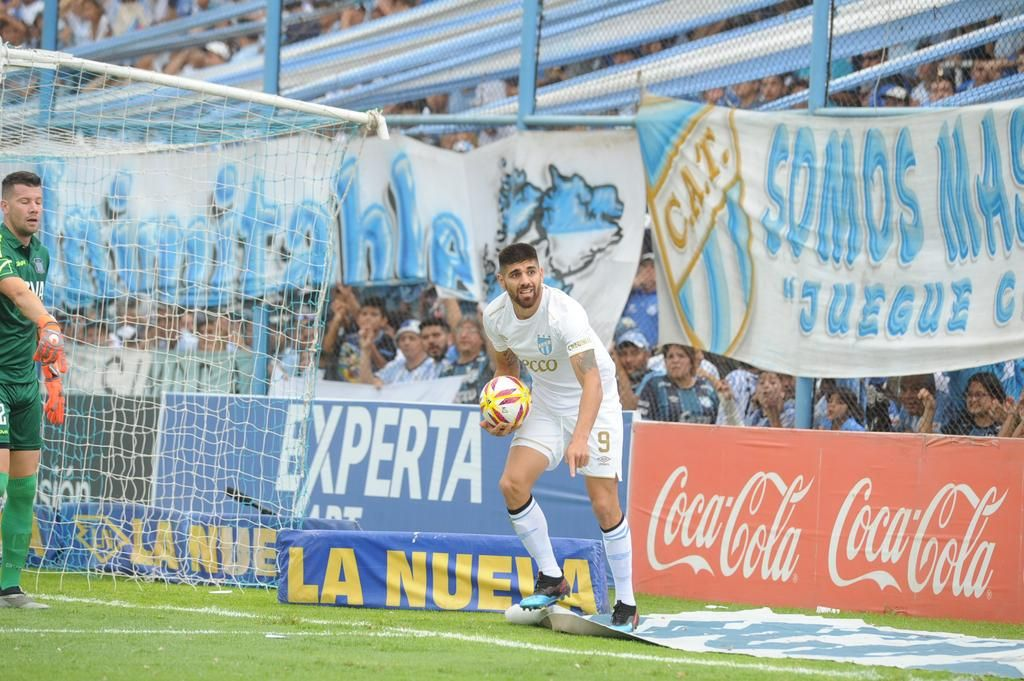 Leandro Díaz, muy cerca de ser el primer refuerzo