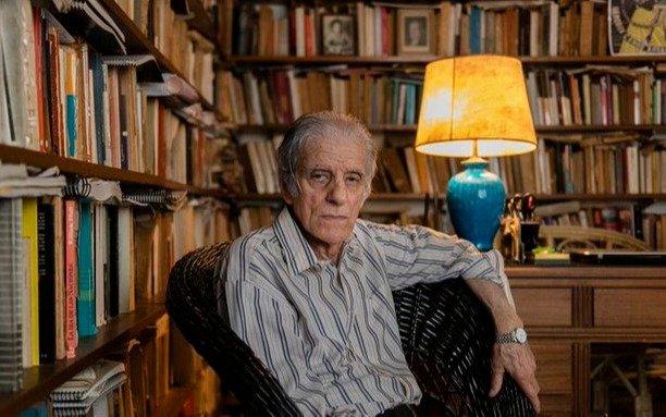 El escritor Juan José Sebreli, crítico de la cuarentena, está internado por coronavirus