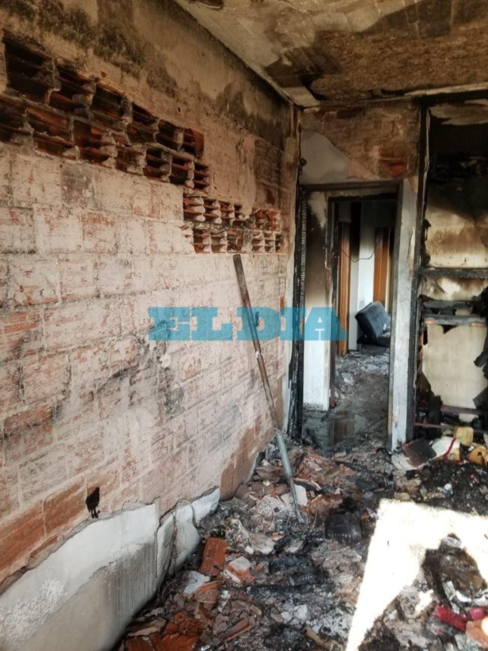 Fotos.- Así quedó por dentro el departamento incendiado en 7 y 50