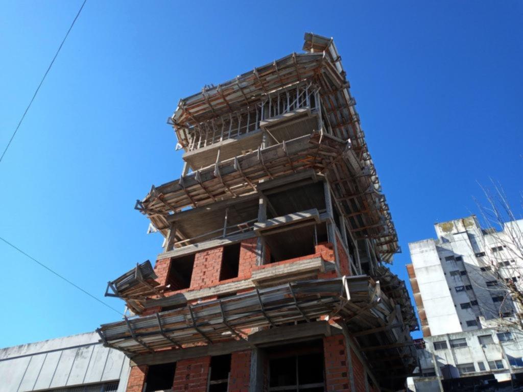 Antes del nuevo anuncio, Garro reclamó que se habilite la construcción privada