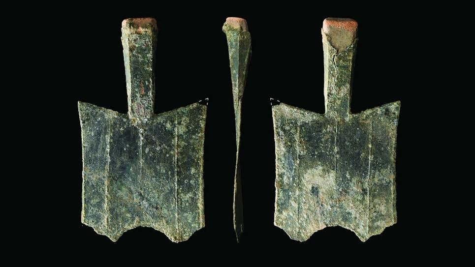 """Plata """"en pala"""": desentierran en China la casa de la moneda más antigua conocida"""