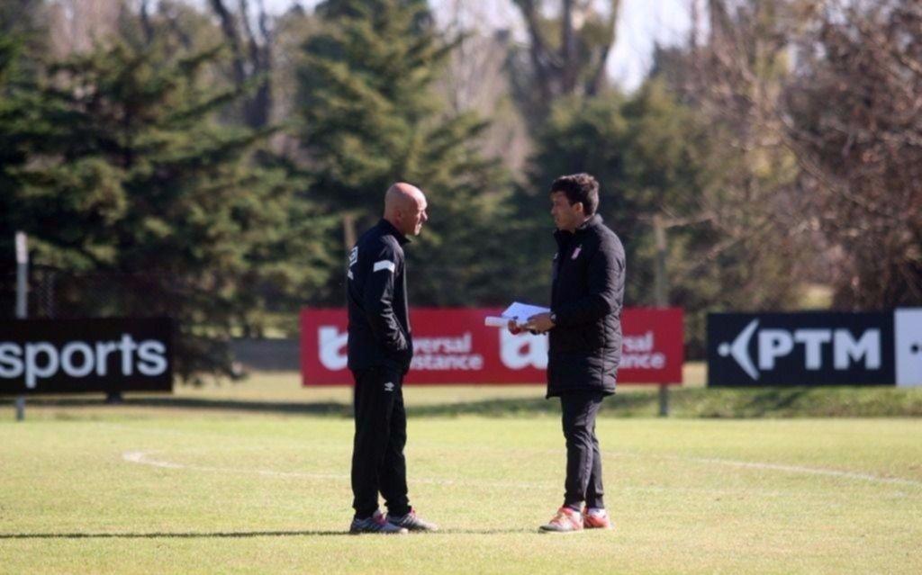 Comenzó un nuevo interinato del Chino Benítez al frente del primer equipo albirrojo