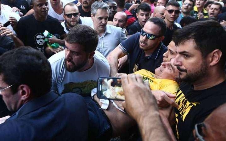 Trasladaron al candidato Bolsonaro al hospital de referencia en Sao Paulo