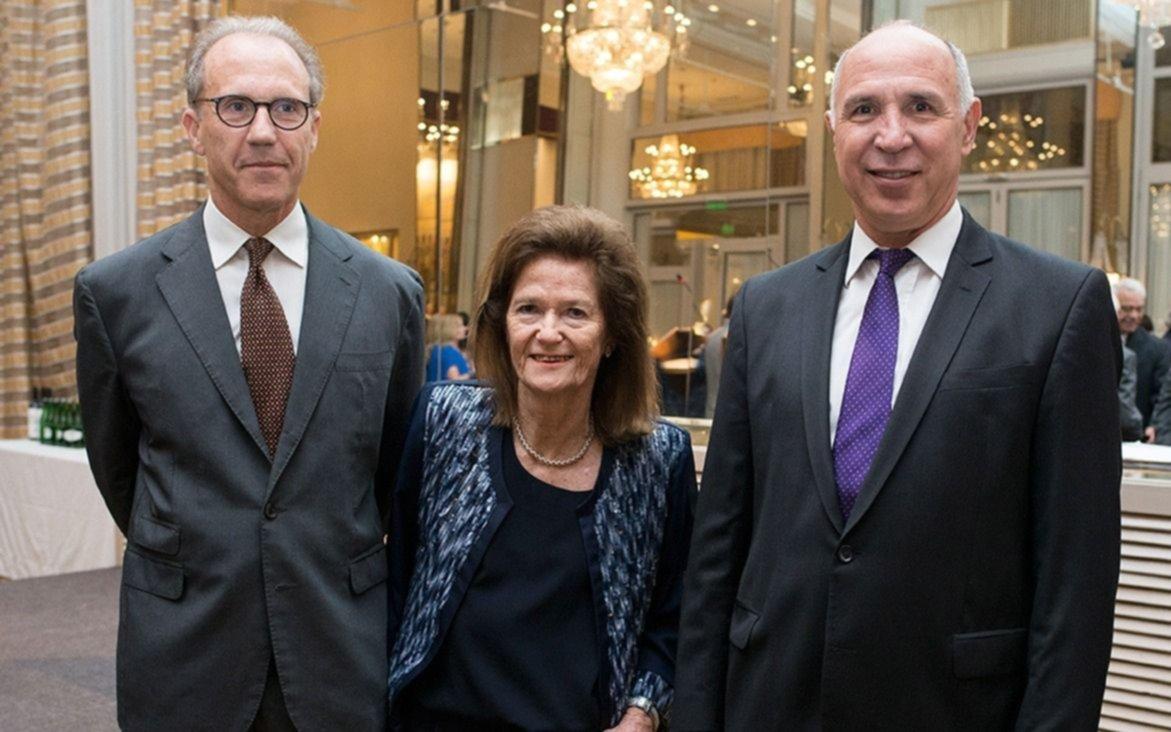 Noticias: Carrió celebró alborozada la noticia sobre Lorenzetti