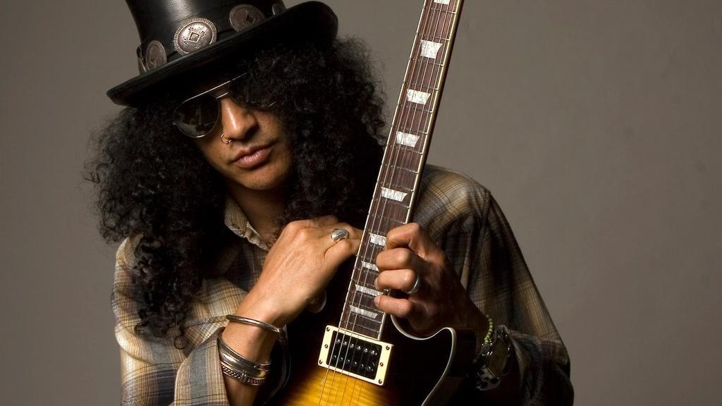 Slash admite que hay temas de los Guns que son sexistas