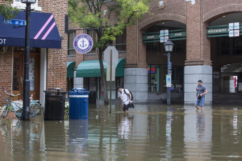 Más de un millón de evacuados en EE UU para huir de Florence