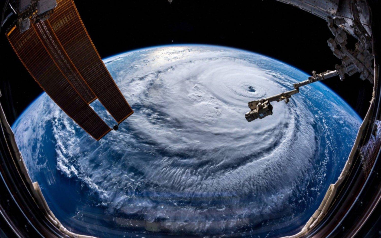 Florence bajó a categoría 3 mientras se aproxima a la costa sureste de EE.UU
