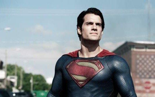 Henry Cavill podría dejar de interpretar a Superman