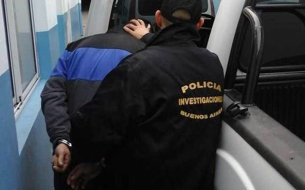 Detienen a un hombre en Melchor Romero acusado de violar a una adolescente