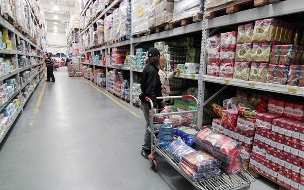 Mayoristas ponen el foco en comestibles y productos de limpieza para hacer descuentos