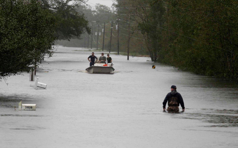 "Florence baja al rango de ""depresión tropical"" pero deja un tendal de 13 muertos"