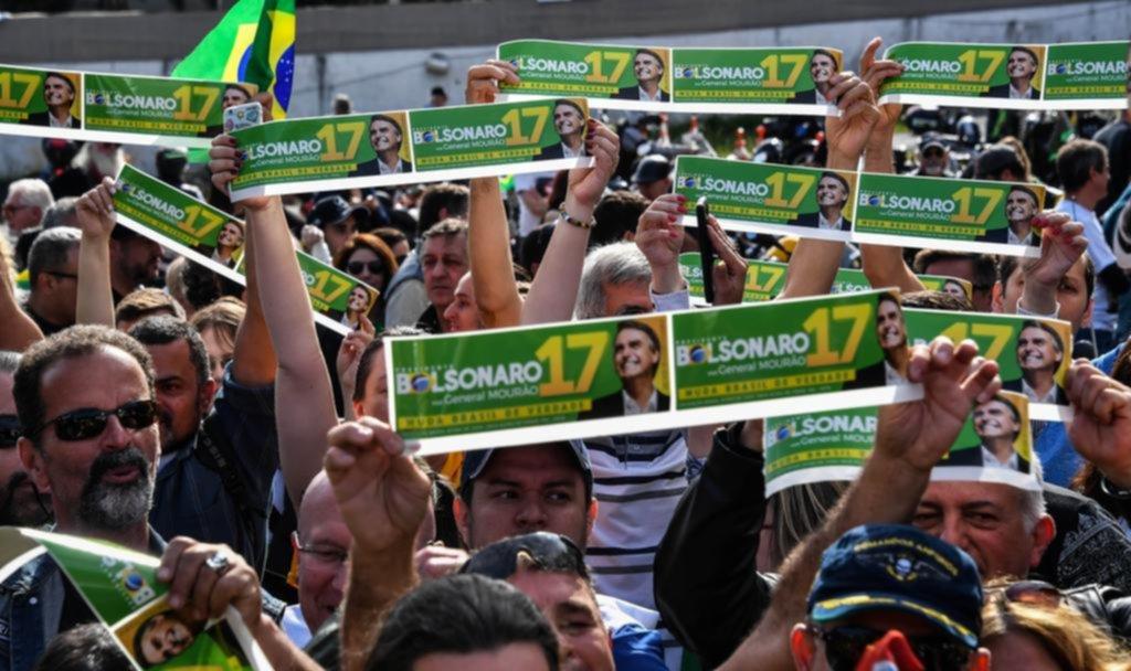 Brasil se polariza entre Bolsonaro y Haddad