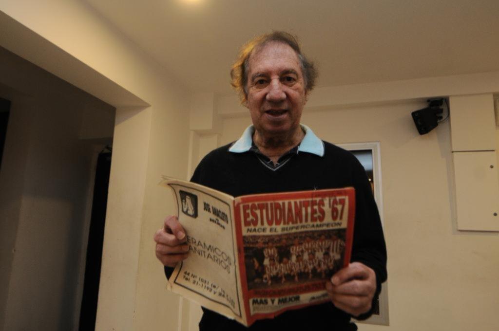 Miguel Ángel Russo disparó contra Clarín por la foto de Bilardo
