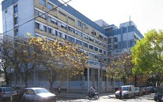 Profesionales del Rossi atenderán a los pacientes en la calle como medida de protesta