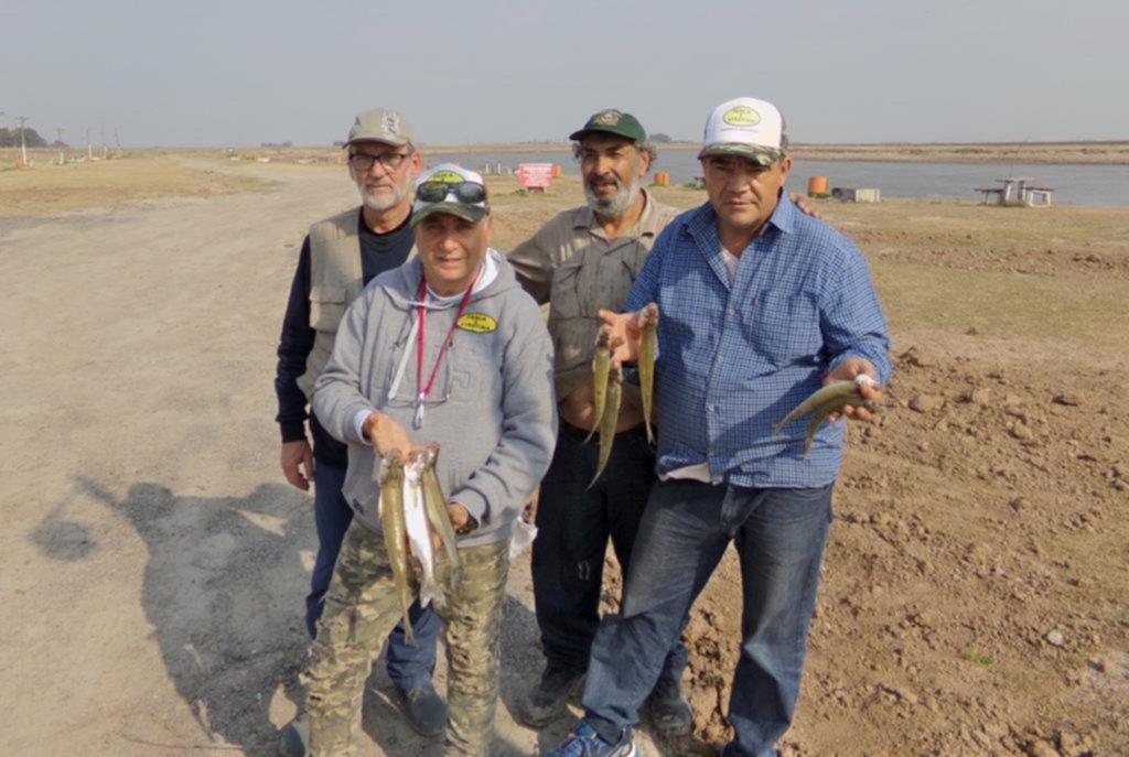 """""""El Destino"""", un parador muy rendidor para los amantes de la pesca de pejerreyes"""