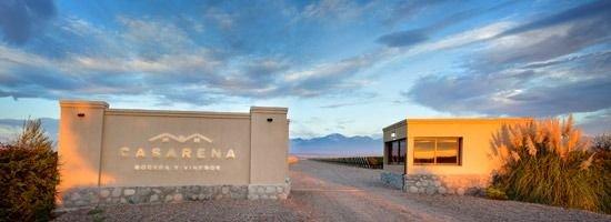 """La Bodega Casarena presentó sus dos nuevas líneas de vino """"Estate y Reservado"""""""