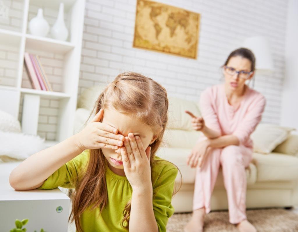 Criar a los hijos con ética es mejor que poner límites