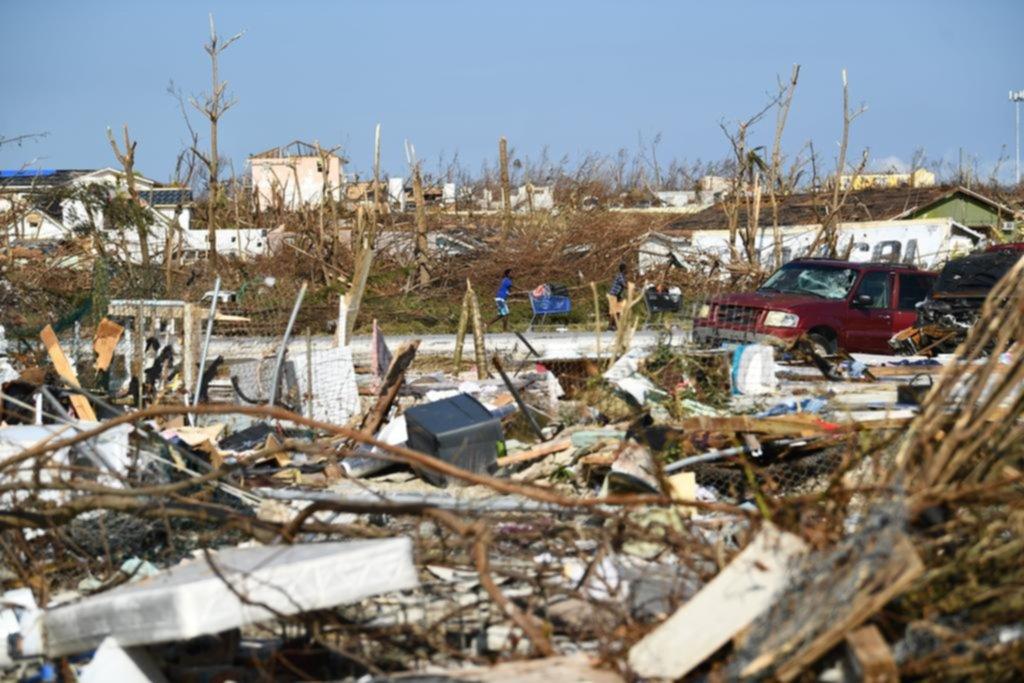 Tras un paso despiadado, Dorian deja en Bahamas un tendal de desplazados