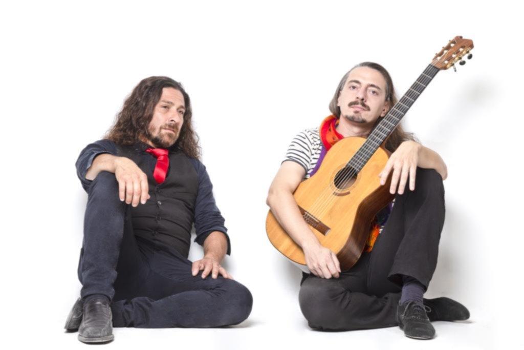 """""""Canciones mestizas"""": música para los ojos, poemas para los oídos"""