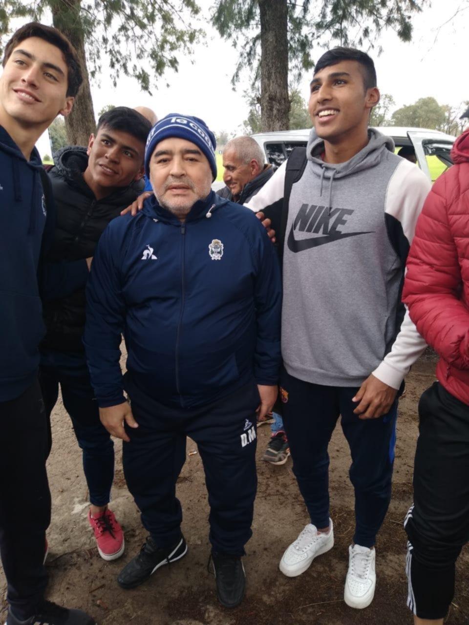 Maradona pisó Abasto y empezó a escribir su historia