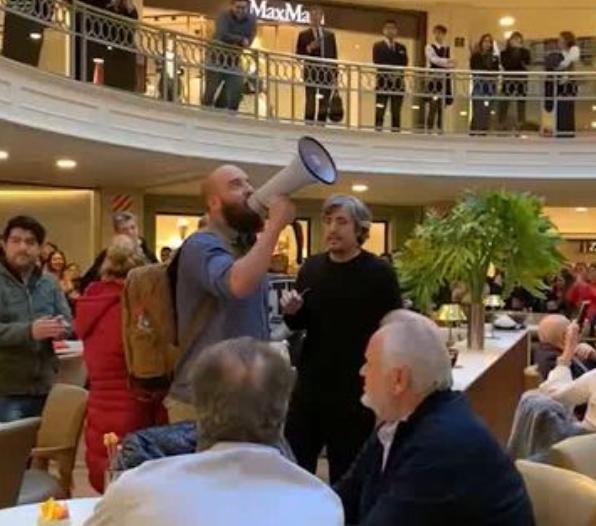 Militantes de Grabois irrumpieron con su protesta en shoppings