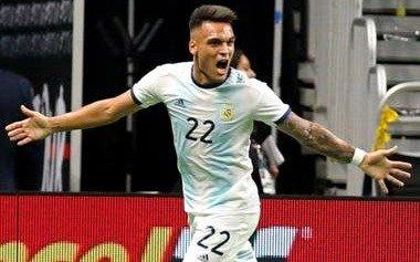 Una noche consagratoria del máximo goleador del ciclo Scaloni