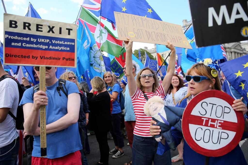 Acusan a Boris Johnson de haberle mentido a la reina Isabel — Brexit