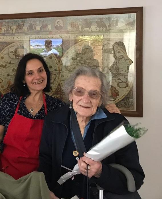 """Rodeada de afectos y con admirable lucidez, """"Ñata"""" celebró sus 105 años"""