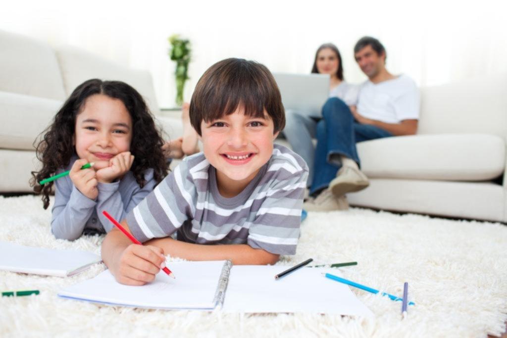 Tarea escolar: cómo ayudar a los chicos sin hacerles los deberes
