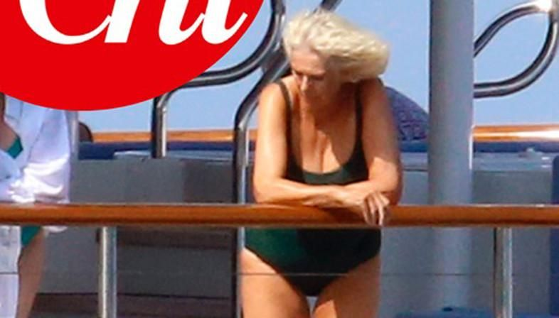 Las imágenes de Camilla en traje de baño que indignaron a críticos y fans