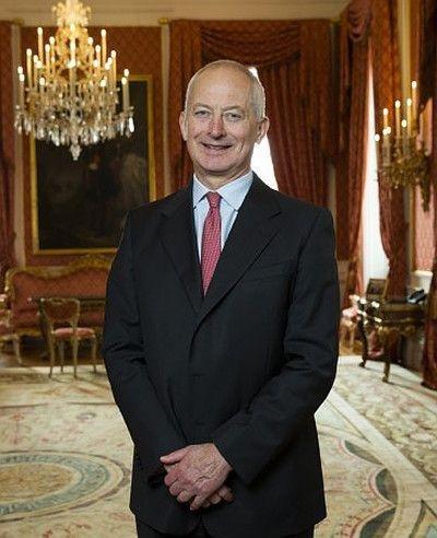 Quién es, qué hace y cuánto dinero tiene el royal más rico del mundo