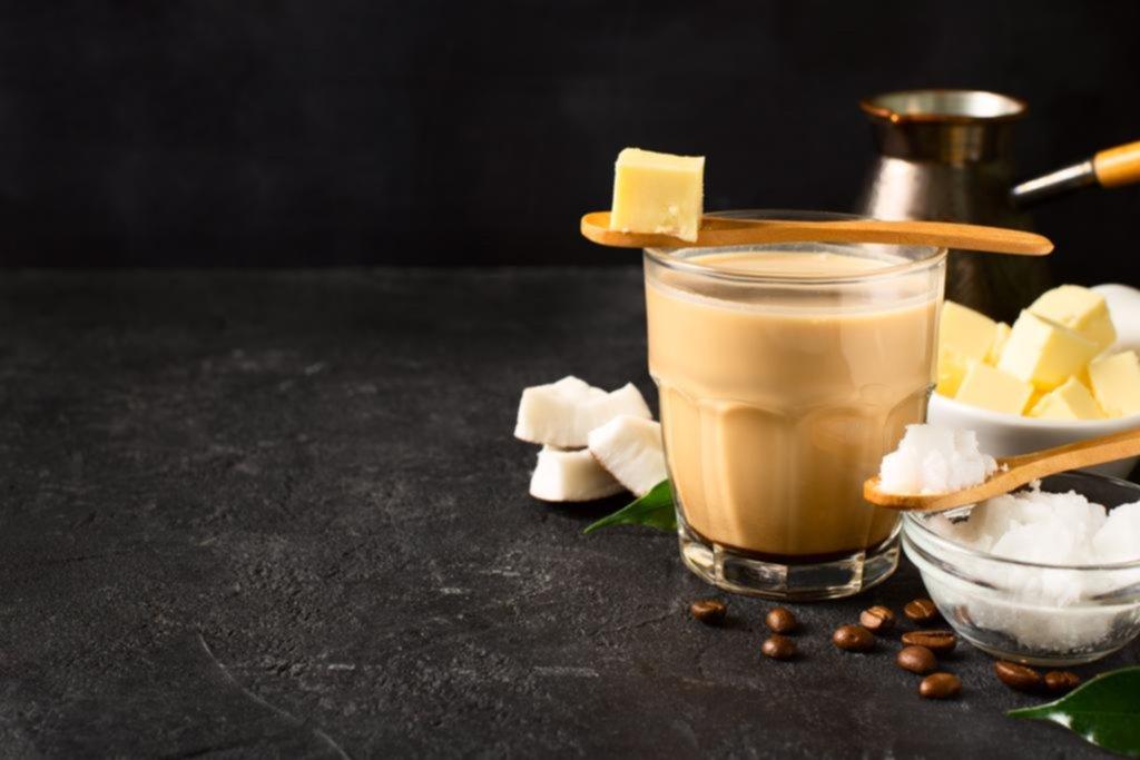 Café con manteca: la promesa de poder equilibrar cuerpo y mente