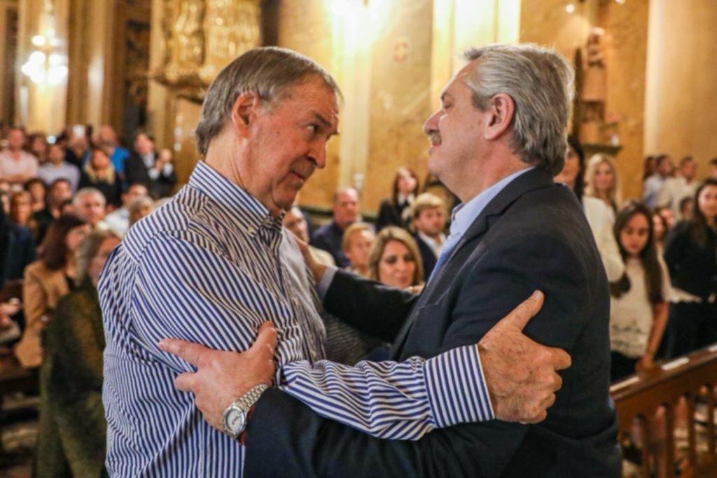 Alberto Fernández con Schiaretti, en una misa en homenaje a De la Sota