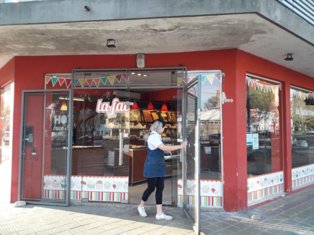 Más robos en el casco urbano: ahora les tocó a una panadería y a una clínica