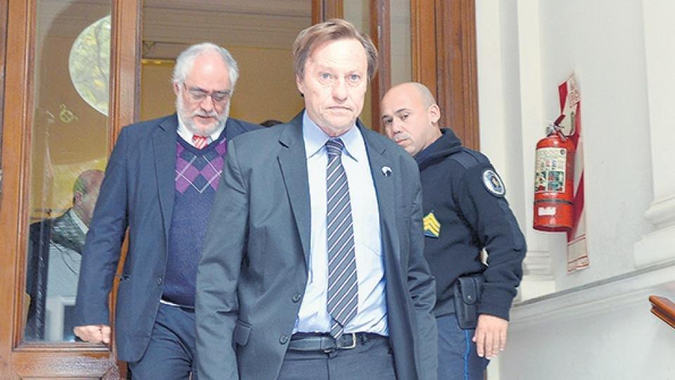Sientan en el banquillo al intendente de Paraná como presunto financista narco
