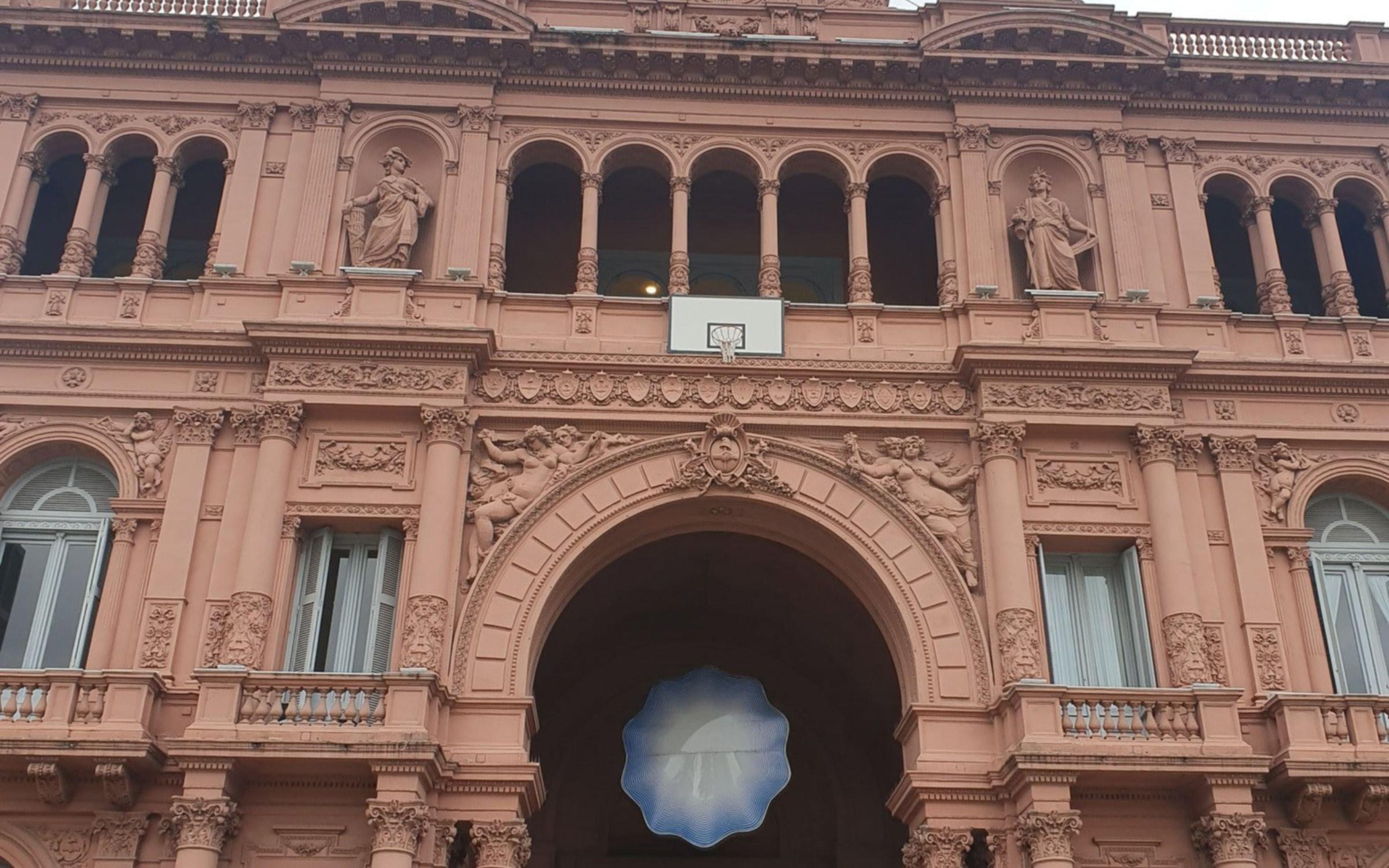 El curioso homenaje de Casa Rosada a la Selección de básquet que generó memes y críticas