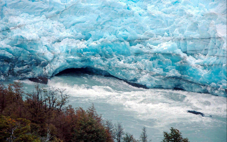 Inició el proceso natural que deriva periódicamente en la ruptura del glaciar Perito Moreno