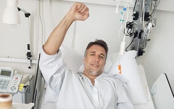 Batistuta fue operado con éxito del implante de una prótesis en el tobillo izquierdo en Suiza